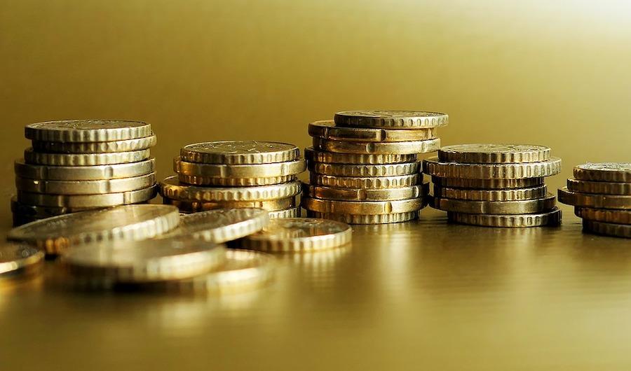 Britisches Pfund fällt zum Euro auf Zehn-Jahres-Tief